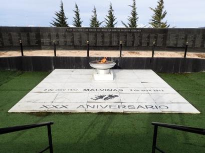 Monument aux morts de la guerre des Malouines à Ushuaia.