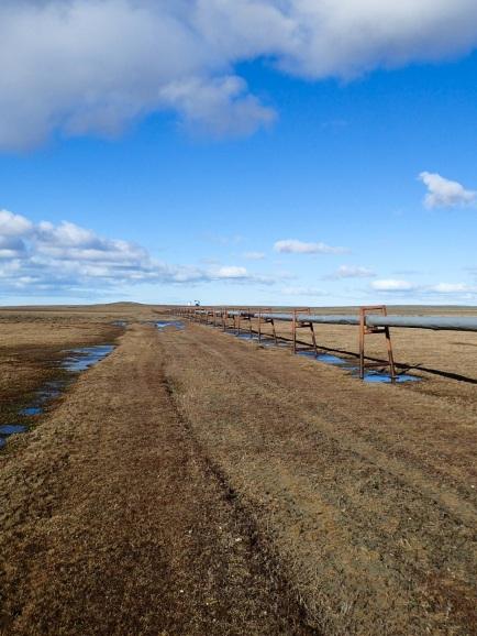 L'un des gazoducs qui m'a servi d'itinéraire à travers la steppe.