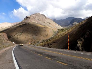 La route du passage de frontière du coté argentin