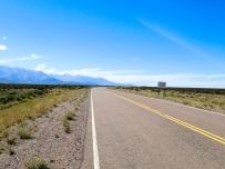 Début de la zone désertique à la sortie d'Uspallata, alors que la route est encore goudronnée