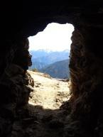 Ouverture de l'une des mines incas que l'on trouve sur le bord du sentier au-dessus de Yanama