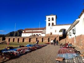 L'église coloniale de Chinchero, construite sur les vestiges incas
