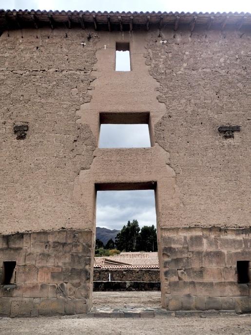L'une des portes monumentales du temple
