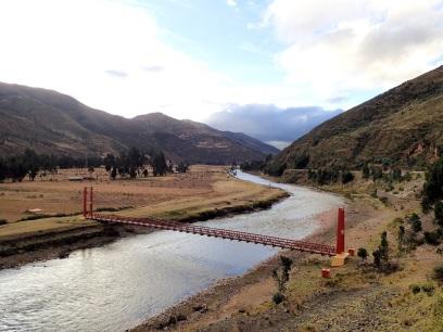 Suivant le rio Vilcanota pour descendre vers Cusco
