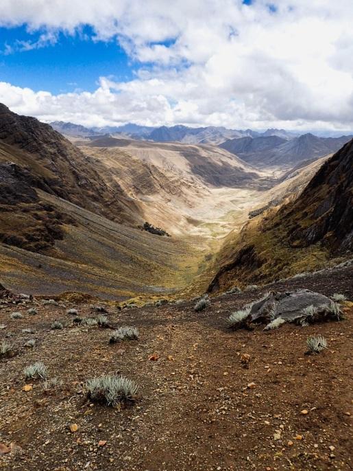 Descente du col Yanacon en direction de Huilca