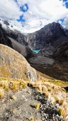 Redescente du col Caracara en direction de l'Alpamayo et du lac Jancarurish