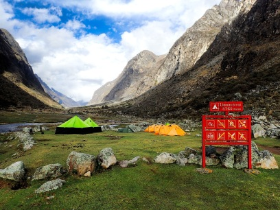 Le camp Llamacorral est un stop systematique pour lestours organisés... A éviter absolument si vous souhaitez etre tranquilles