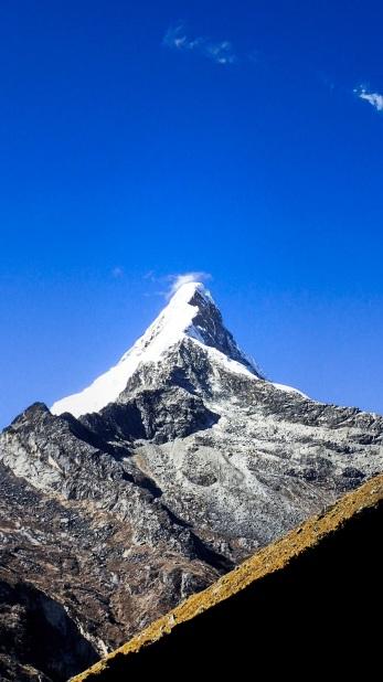 La pointe du Artesonraju, rendu mythique par le logo de Paramount
