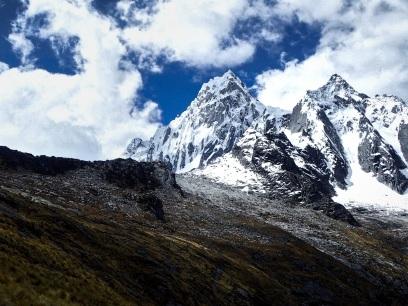 Vue sur le Taulliraju, l'un des sommets les plus difficiles de la Cordillere Blanche en alpinisme